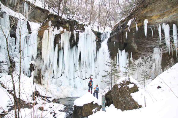 数年前に行った千歳市にある七条大滝の氷爆