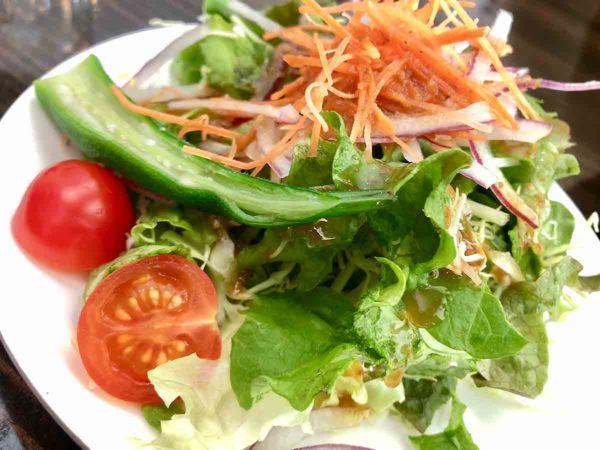 タウシュベツ川橋梁旅_1日目_tobachi_サラダも野菜の味がちゃんとしてて美味!!