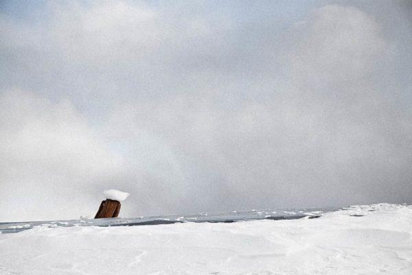 タウシュベツ川橋梁_写真集_2019_冬_ポツンとキノコ氷_しょる撮影